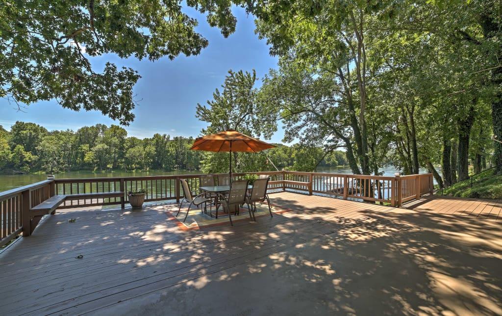 Riverfront Cotter House w/Spacious Deck & Hot Tub!