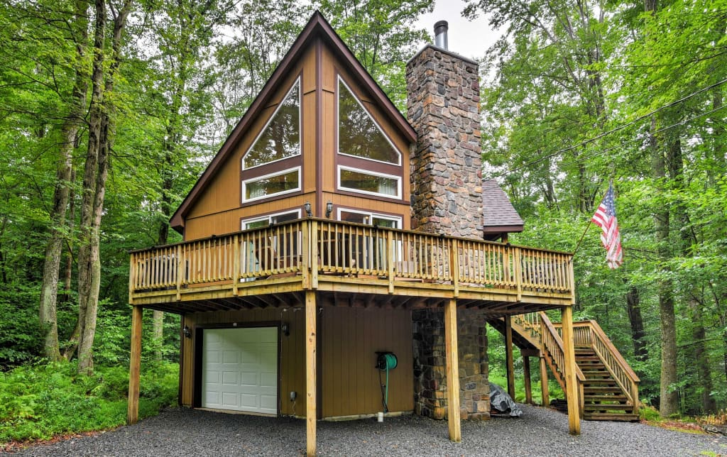 Phenomenal Private Chalet W Pool Table 1 Mi From Pocono Lake Interior Design Ideas Inesswwsoteloinfo