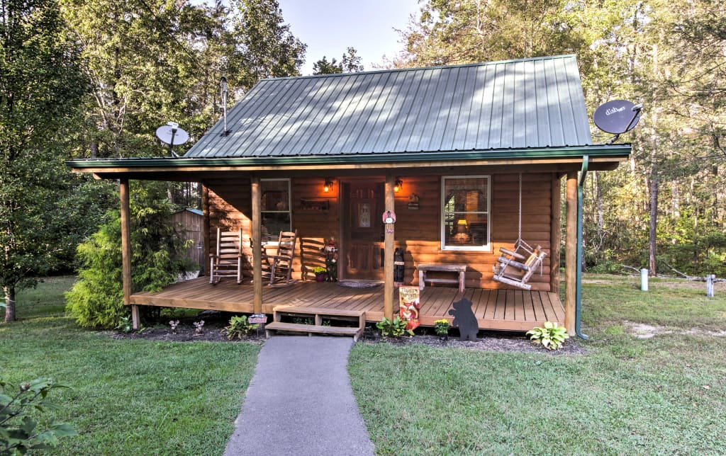 Pet Friendly Cosby Log Cabin W Fire Pit Mtn View