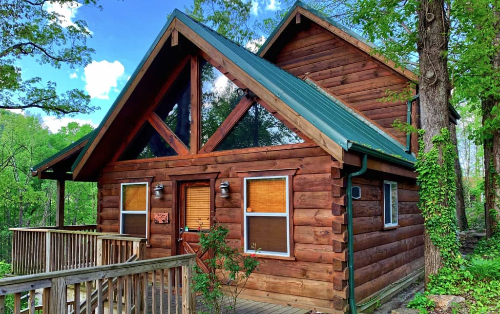 Gatlinburg Cabin W Hot Tub And Deck Mins From Dt