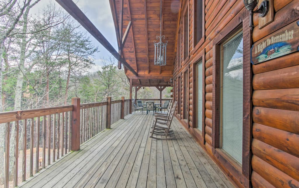 Cozy Cabin W Private Hot Tub 3 Mi To Pigeon Forge