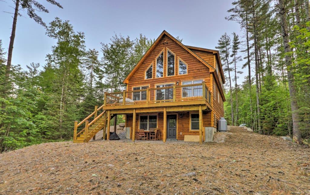 Dream Log Cabin in Bethel - 15 Min  to Ski Resort!