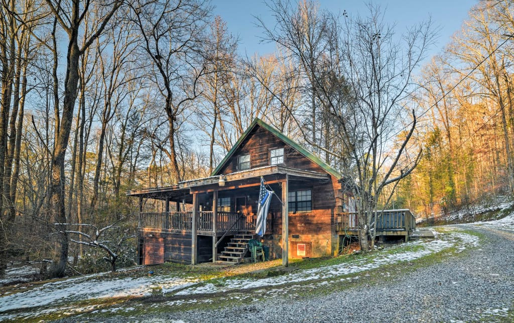 3BR Tellico Plains Cabin On 25 Private Acres!