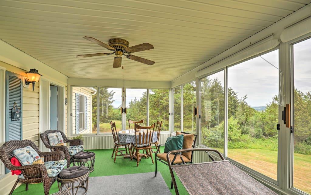 Amazing House On Seneca Lake W Sunroom Near Boat Launch Download Free Architecture Designs Scobabritishbridgeorg