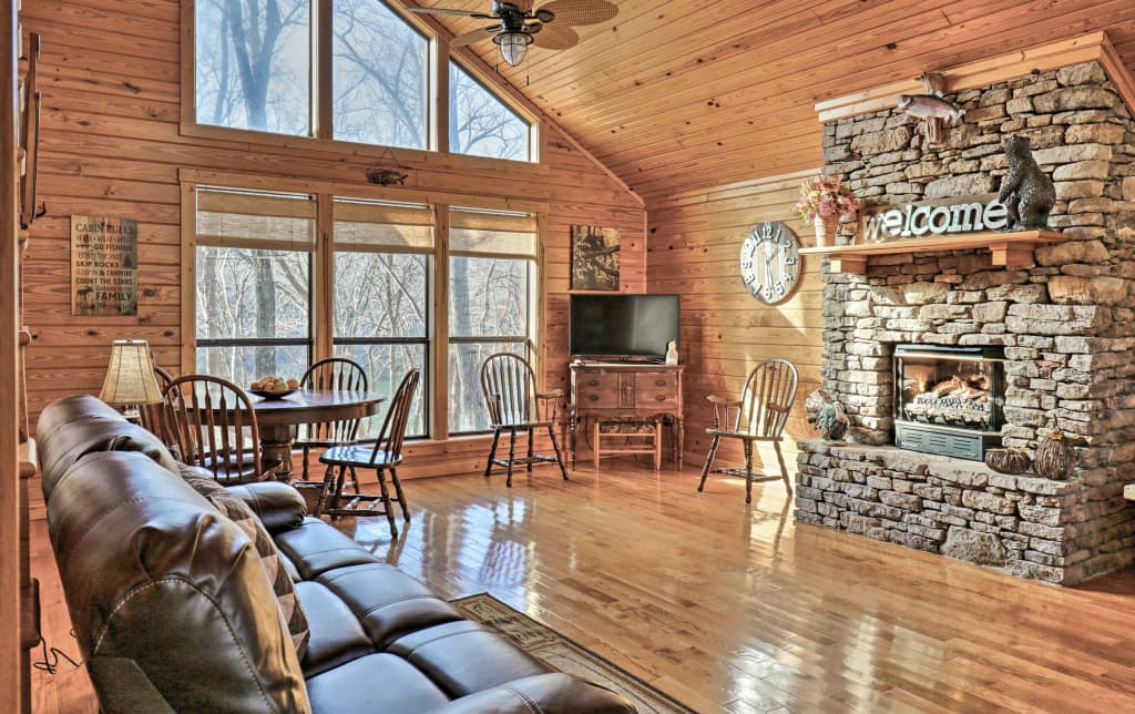 Roomy Riverfront Trout Valley Cabin W Fishing