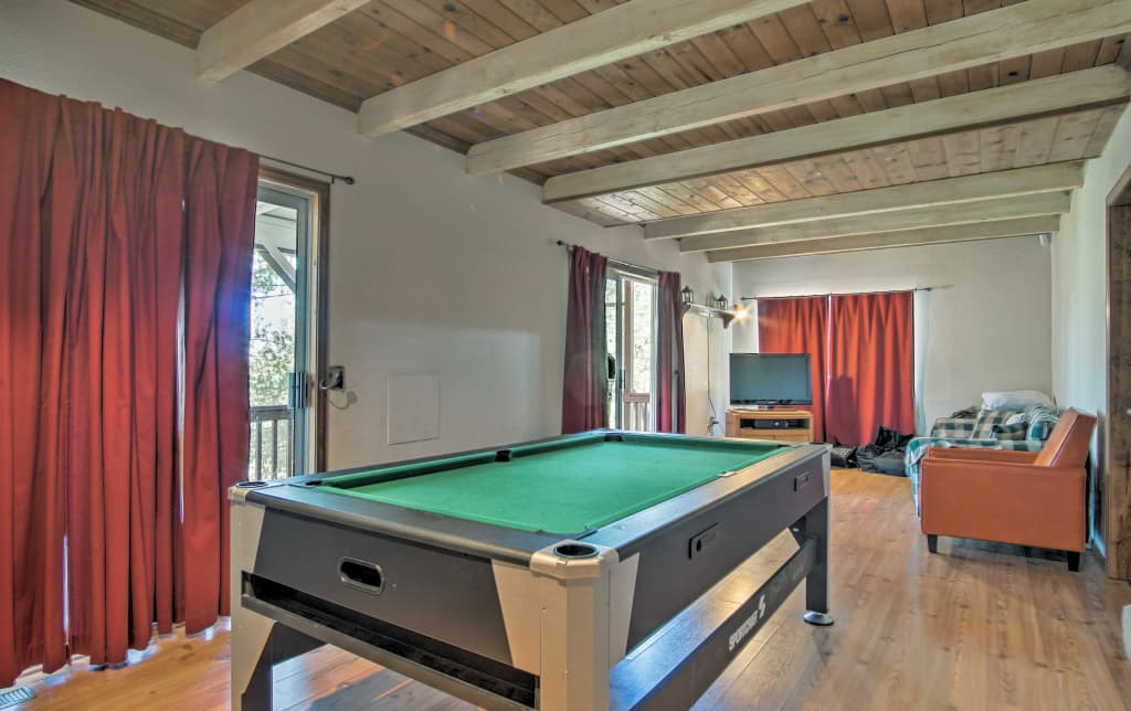 New Lake Arrowhead Cabin W Hot Tub Game Room
