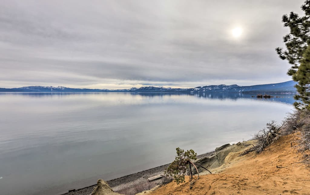 NEW 3BR Townhome w/ Hot Tub - Walk to Lake Tahoe!