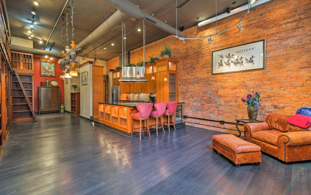 Chic Loft Style Condo In The Heart Of Indianapolis