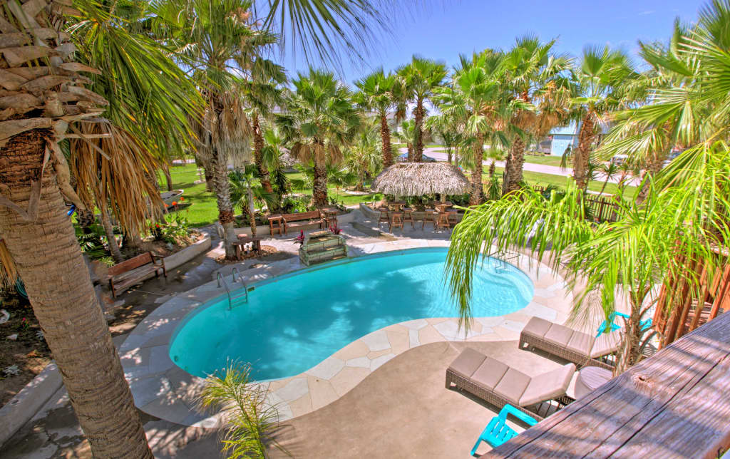 Remarkable Under The Palms Galveston Home W Private Pool Home Interior And Landscaping Elinuenasavecom