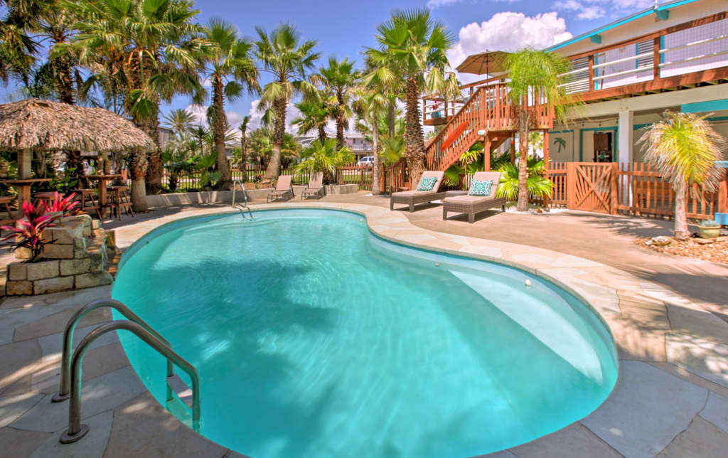 Incredible Under The Palms Galveston Home W Private Pool Home Interior And Landscaping Elinuenasavecom