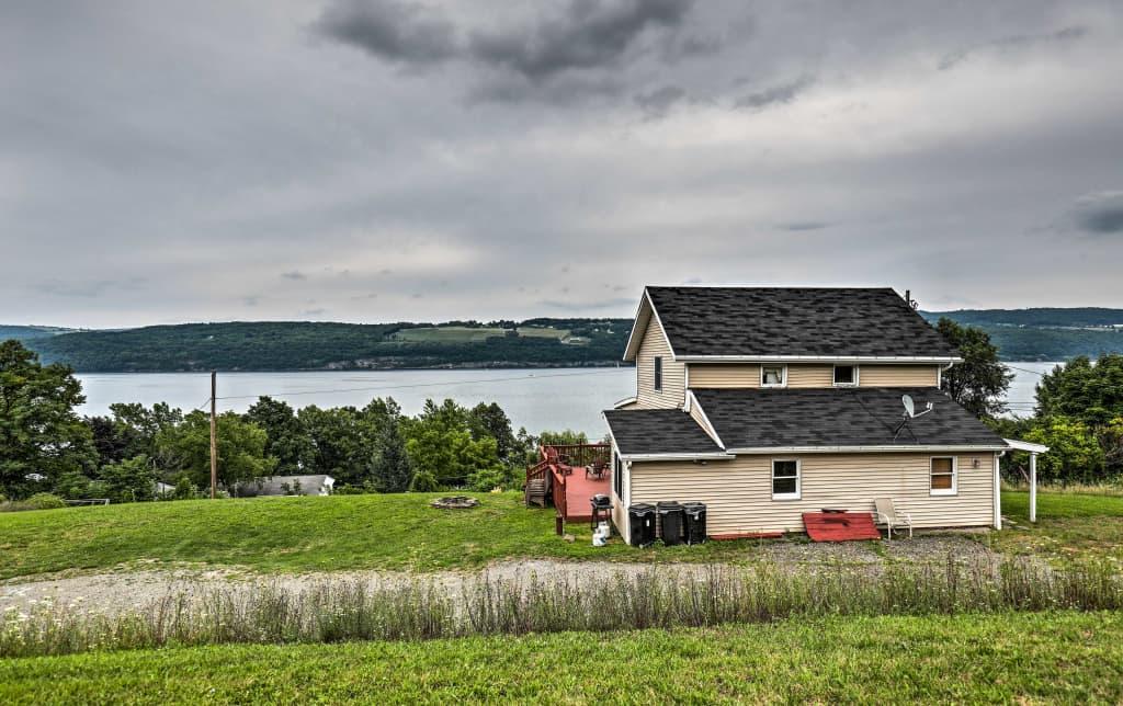 Pleasant New Home W Deck Walk To Seneca Lake Downtown Download Free Architecture Designs Scobabritishbridgeorg