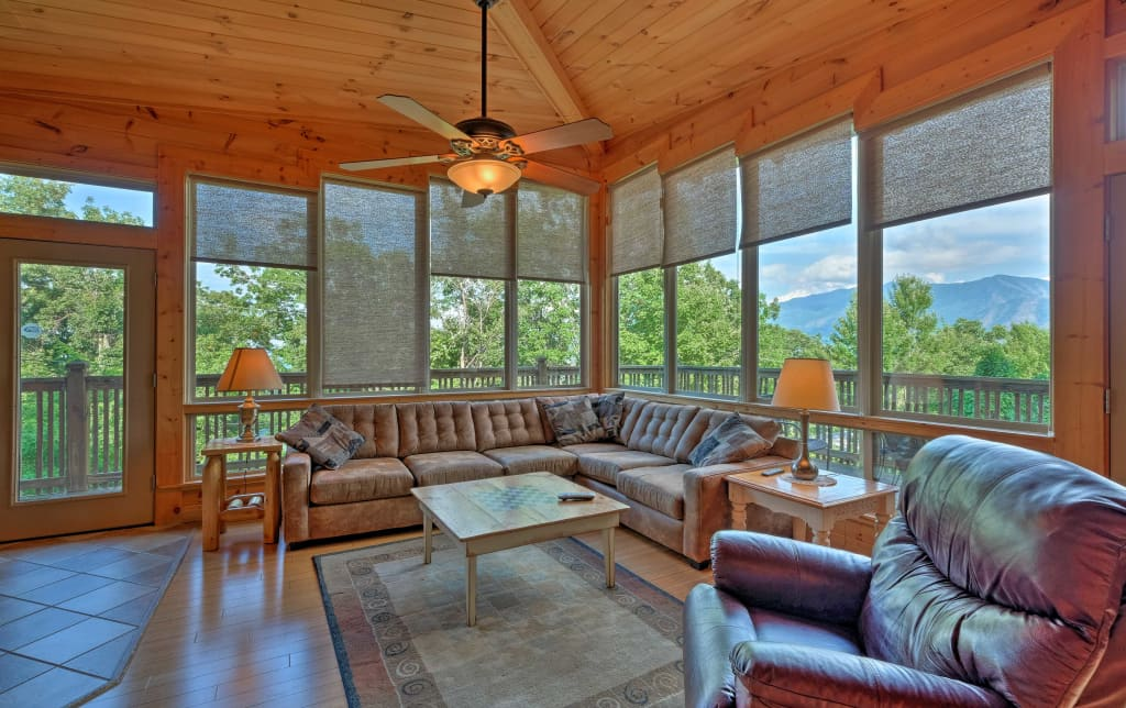 Gatlinburg Cabin W Pvt Hot Tub Mtn Views Pool