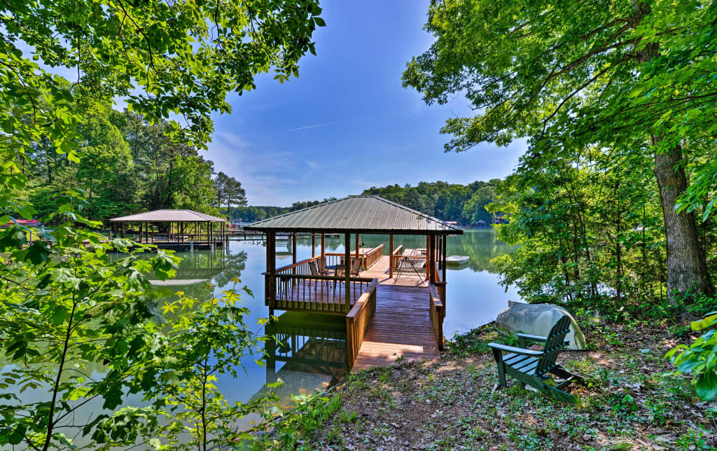 NEW! Waterfront Lake Norman Home w/ Dock+Boat Ramp
