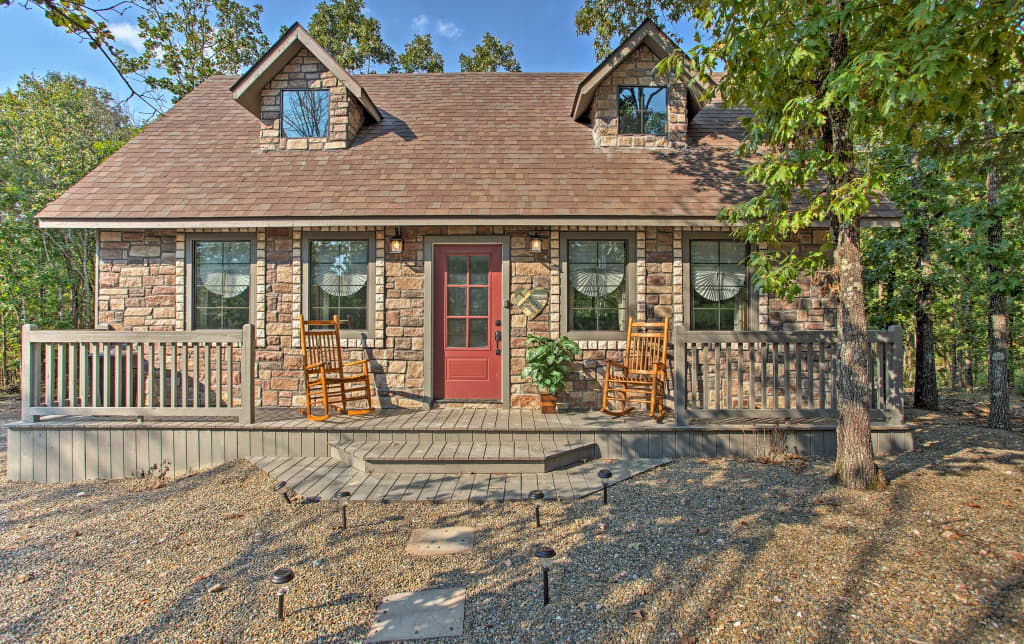 Wondrous New Greystone Cottage W Hot Tub In Broken Bow Download Free Architecture Designs Scobabritishbridgeorg
