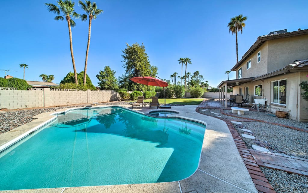 Scottsdale House w/Backyard, Grill & Private Pool!
