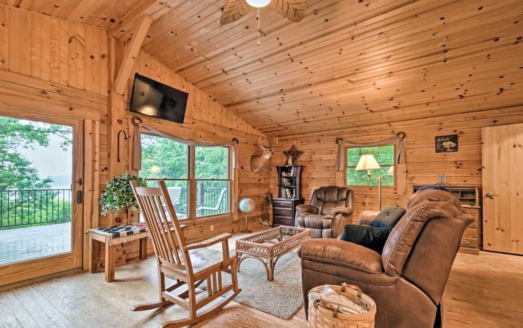 New Cozy Amish Country Cabin On Shipshewana Lake