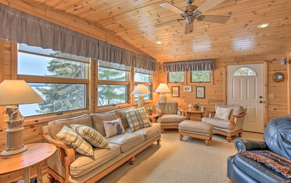 Stupendous New Waterfront Cottage 9 Mi To Aloha State Park Download Free Architecture Designs Scobabritishbridgeorg