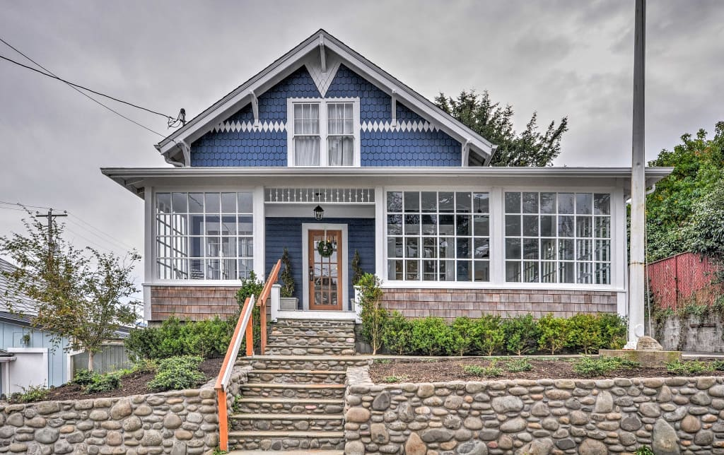 Wondrous Historic Seaside Home Steps From Beach Downtown Home Interior And Landscaping Ologienasavecom