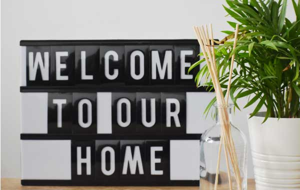 A personalized note or welcome package is one of the most important gifts for airbnb guests