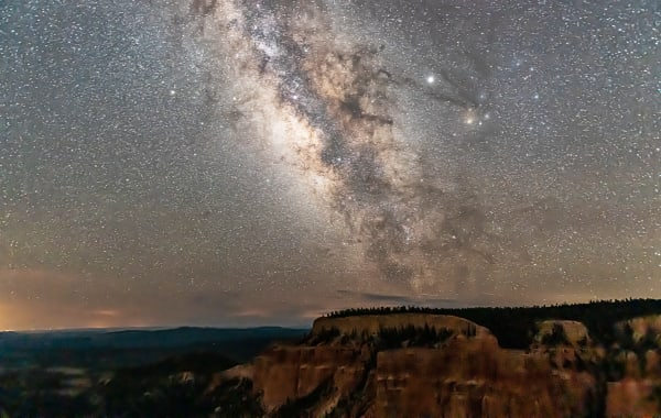 Night sky with dark Milky Way at the Pariah View Overlook in Bryce Canyon National Park in Utah
