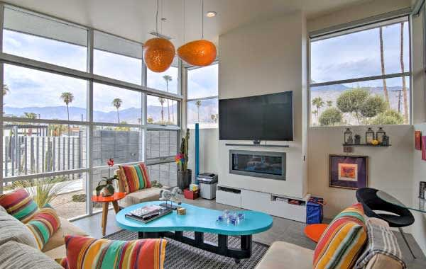 Mid-century living room in Palm Springs area Evolve vacation rental