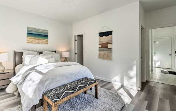Relaxing bedroom in an Evolve vacation rental