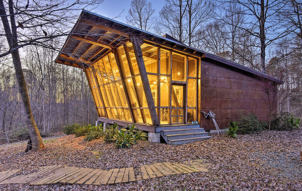Cabin with large windows in Saxapahaw, NC