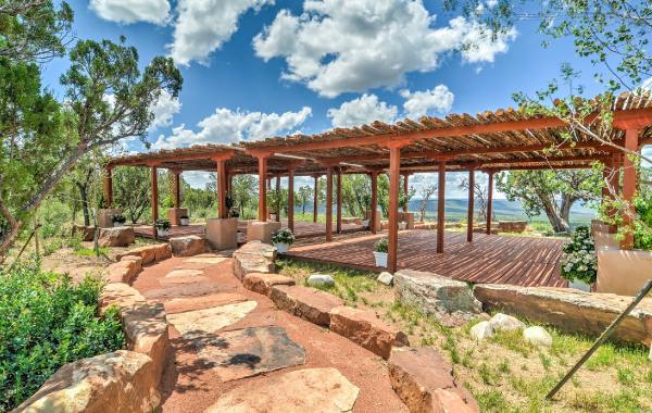 Cabana with breathtaking views near Santa Fe, New Mexico