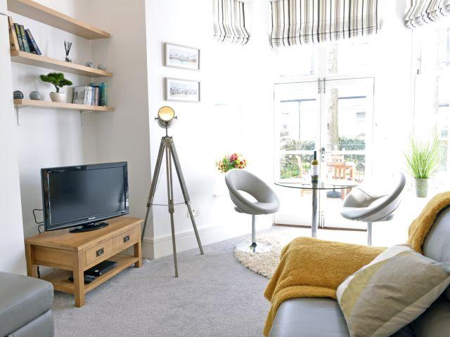 Living area of 1-bedroom Gresham House