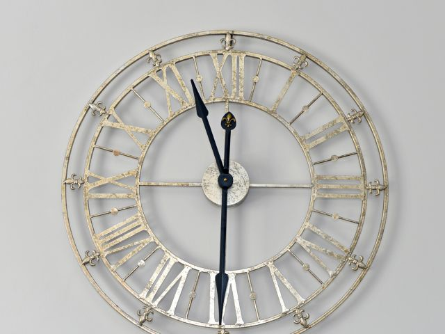 Clock in lounge