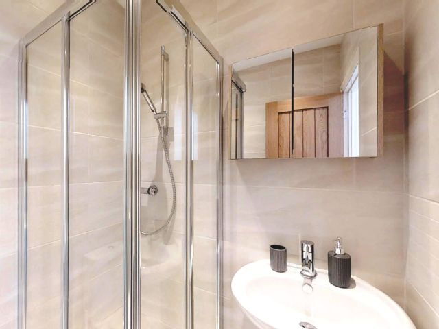 Shower room in South Downs holiday cottage
