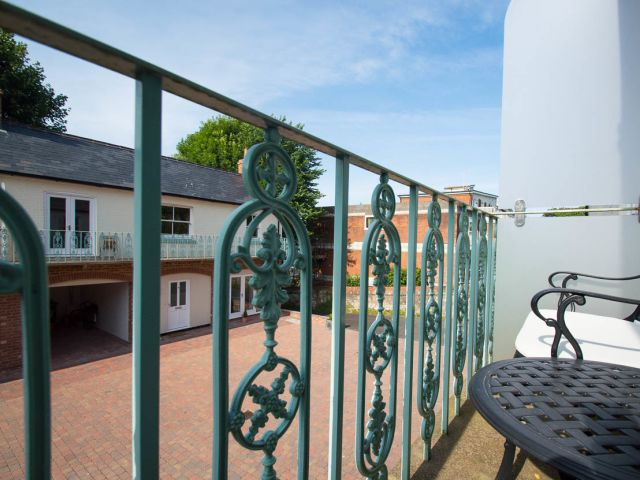 holiday homes eastbourne  Silverdale Mews balcony