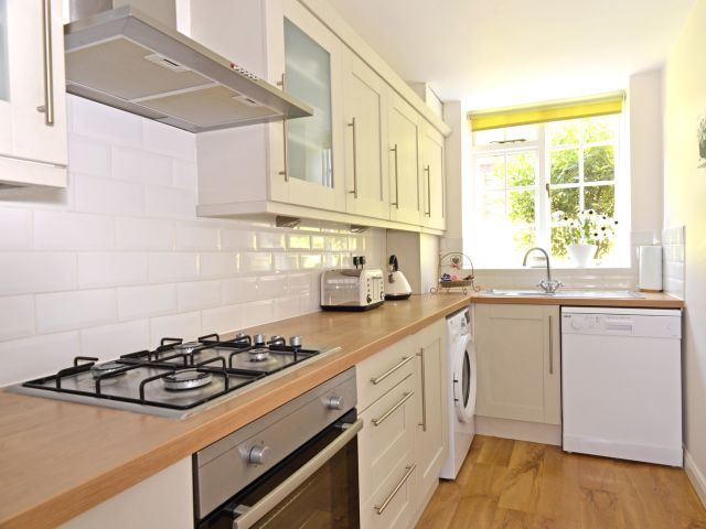 holiday accommodation eastbourne kitchen