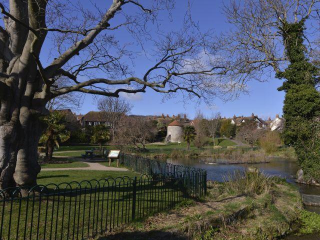 Motcombe Gardens - opposite Motcombe House