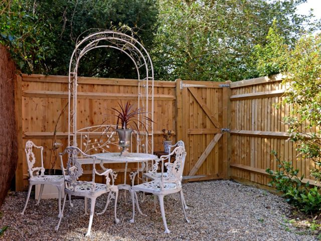 luxury holiday accommodation garden patio