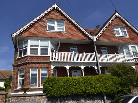 Excellent base for walking, visiting the south coast, unwinding in gorgeous surroundings and comfort