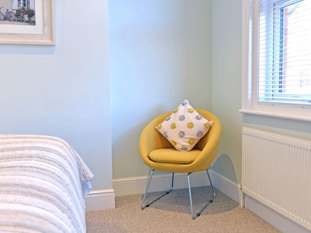 eastbourne holiday cottage Master bedroom seat