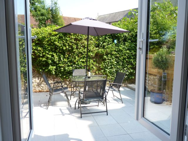eastbourne holiday cottage patio