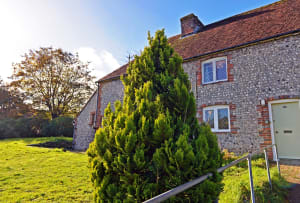 Exclusively Eastbourne - South Downs holiday cottage -exterior view