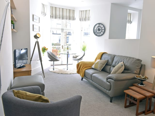 Living area of 1-bed Gresham House