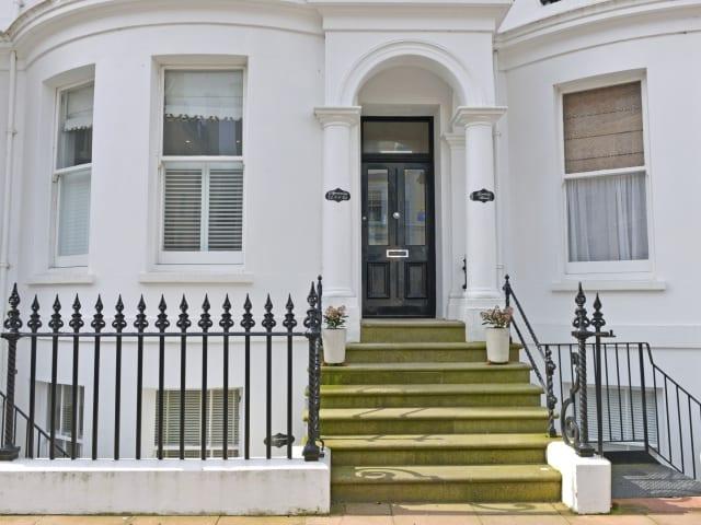Entrance to Gresham House