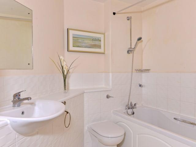 Bathroom of Harbour Lookout
