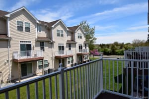 Bayport On Lakes Bay Townhouses