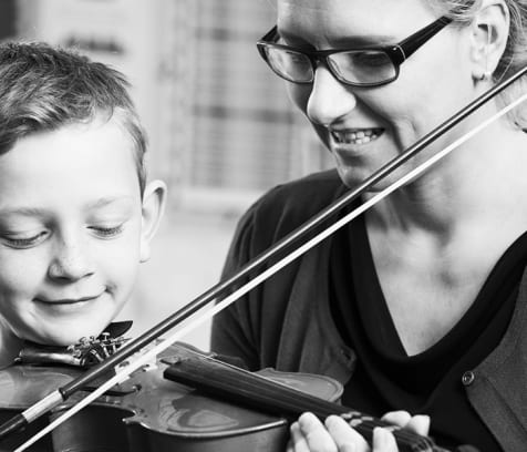cover image of Sacramento Strings  violin-lessons/1.jpg
