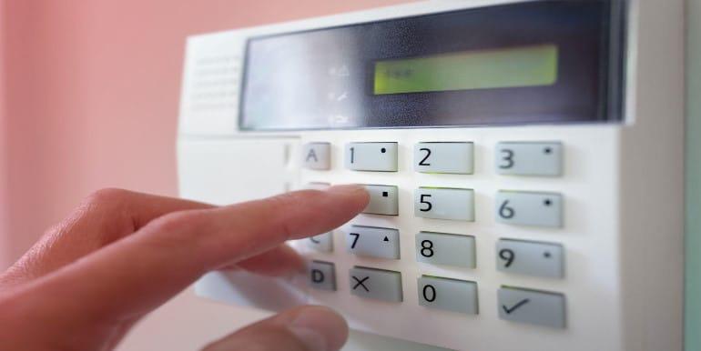 Охранная сигнализация для частного дома и дачи