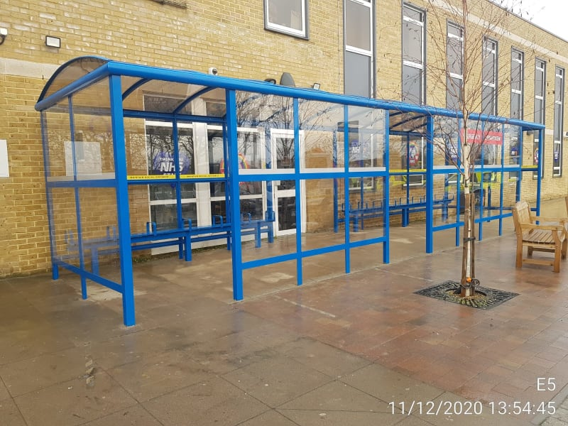 Southend Hospital Large Waiting Shelter