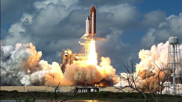 10 Riveting Sci-Fi Novels About Space Warfare