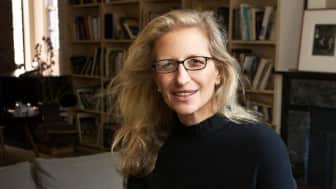 Last but not least, at #9, is American portrait photographer Annie Leibovitz.