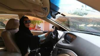 Prior to her page's deletion, she asked women with licenses from other countries to protest by driving in Saudi Arabian cities on June 17, 2011.