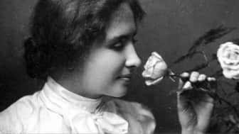 Helen Keller gives readers a glimpse of her first 22 years of life, particularly the relationship with her dedicated teacher, Anne Sullivan, who taught her to spell the names of objects with her fingers.